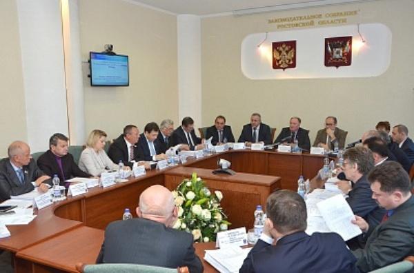Бюджет Ростовской области в 2016 году останется социально направленным