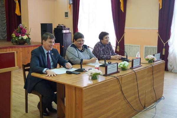 Депутат Сергей Суховенко встретился с молодежным парламентом при Собрании депутатов Тацинского района